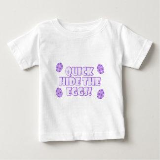 イースターエッグの発言 ベビーTシャツ