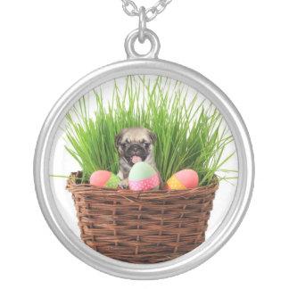 イースターパグの子犬 シルバープレートネックレス