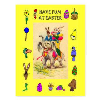 イースター-卵を渡している象 ポストカード