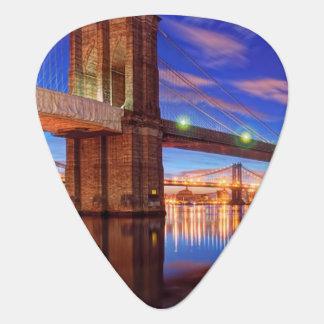 イースト・リバーのブルックリン橋、マンハッタン ギターピック