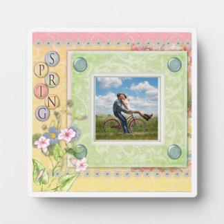 イーゼルが付いているカスタムな写真5.25 x 5.25の写真のプラク フォトプラーク