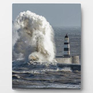 イーゼルが付いているRokerの卓上のプラクの嵐の海 フォトプラーク