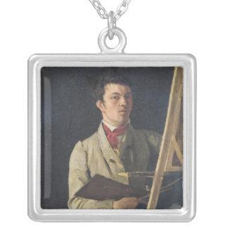 イーゼルの隣に坐る自画像1825年 シルバープレートネックレス