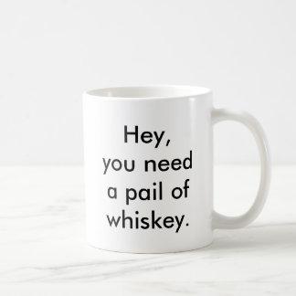 ウィスキーのマグのダックスフントのバケツ コーヒーマグカップ