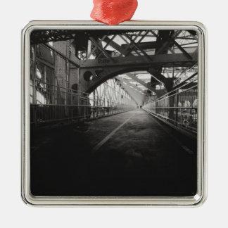 ウィリアムズバーグ橋建築-ニューヨークシティ シルバーカラー正方形オーナメント
