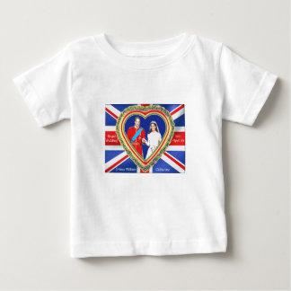 ウィリアム王子およびキャサリンの王室のな結婚式 ベビーTシャツ