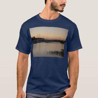 ウィルミントンブラッドリーの入り江シリーズ Tシャツ