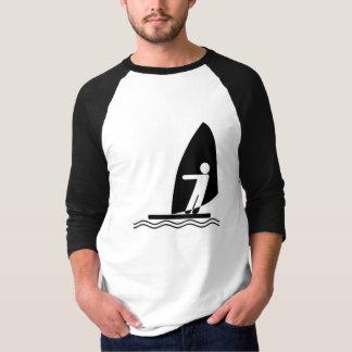ウィンドサーフィンをすること Tシャツ