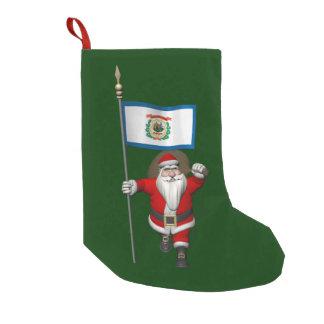 ウェストヴァージニアの旗を持つサンタクロース スモールクリスマスストッキング