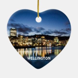 ウェリントンニュージーランドのハートのクリスマスのオーナメント セラミックオーナメント