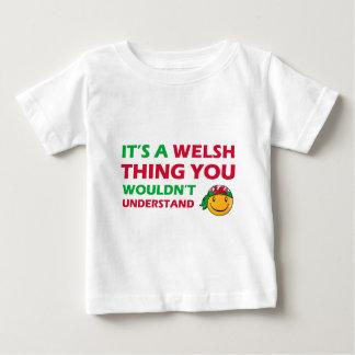 ウェールズのスマイリーのデザイン ベビーTシャツ
