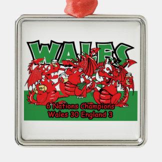 ウェールズ6人の国家のラグビーのチャンピオン、W 30-3 E メタルオーナメント