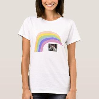 ウエスト・ハイランド・ホワイト・テリアのWestieのTシャツの虹 Tシャツ