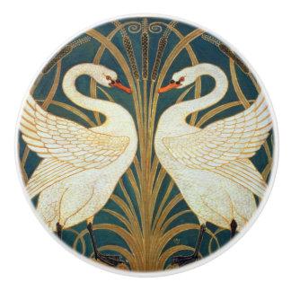 ウォルタークレーン白鳥、突進およびアイリスアールヌーボー セラミックノブ
