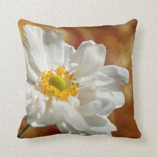 ウォルターHerrit著秋の白い花 クッション
