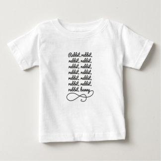 ウサギのウサギのウサギ… ベビーTシャツ