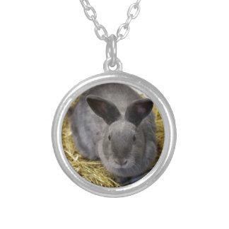 ウサギ シルバープレートネックレス
