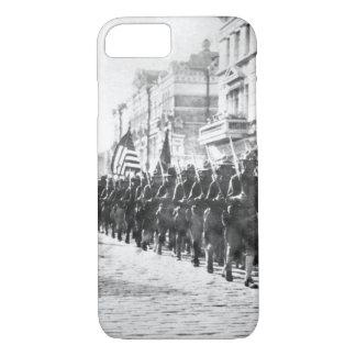 ウラジオストクparading_Warイメージのアメリカの軍隊 iPhone 8/7ケース