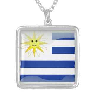 ウルグアイの光沢のある旗 シルバープレートネックレス
