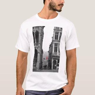 エイズ(ブリュッセルの通り) Tシャツ