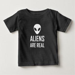 エイリアンは実質の空想科学小説です ベビーTシャツ