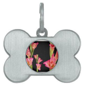 エキゾチックなピンクの花の花束の花のエレガントなギフト ペットネームタグ