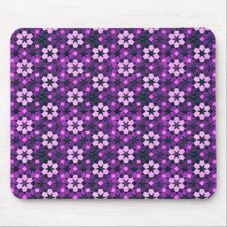 エキゾチックな紫色の花模様 マウスパッド