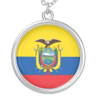 エクアドル、エクアドルの国民の標準 シルバープレートネックレス