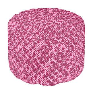 エジプトのタイルのパターン、バーガンディおよびピンク プーフ