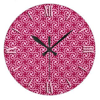 エジプトのタイルのパターン、バーガンディおよびピンク ラージ壁時計