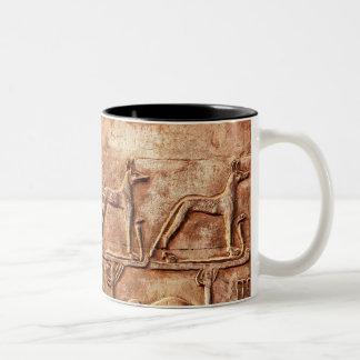 エジプトの下働きの神Wepwawet ツートーンマグカップ