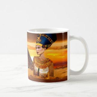 エジプトのNefertiti女王のマグ コーヒーマグカップ