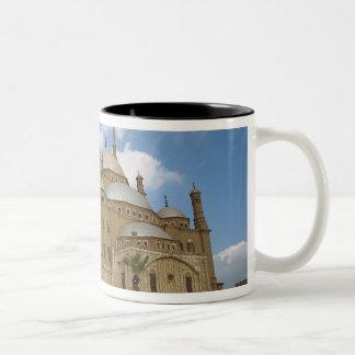 エジプト、カイロの砦、ムハマドアリのモスク2 ツートーンマグカップ