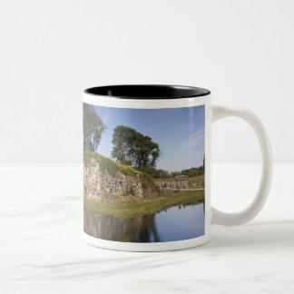 エストニアのエストニアの西部の島、Saaremaa 2 ツートーンマグカップ