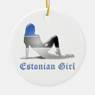 エストニア語の女の子のシルエットの旗 陶器製丸型オーナメント