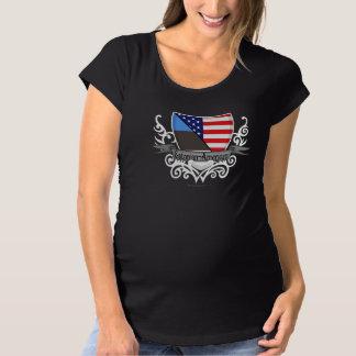 エストニア語アメリカの盾の旗 マタニティTシャツ