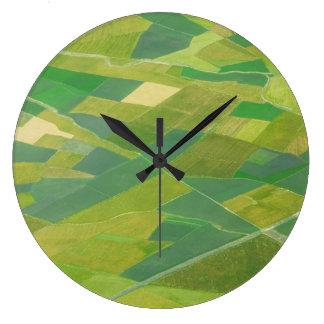 エチオピアの農地のアンテナ ラージ壁時計
