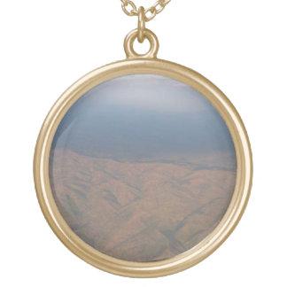 エチオピア- Arialの眺め#1 ゴールドプレートネックレス