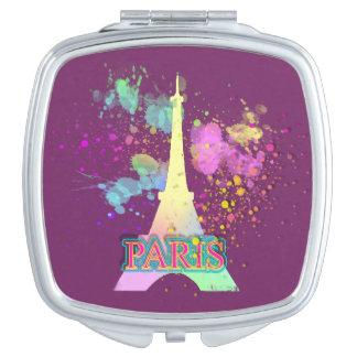 エッフェル塔のパリの虹のペンキのSplatの爆発