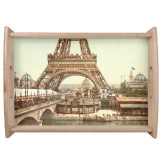 エッフェル塔の基盤、パリ、フランス トレー