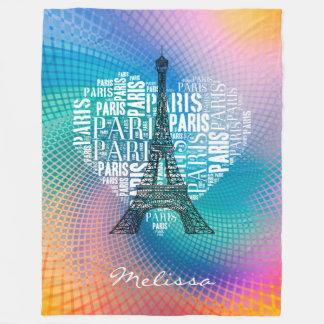 エッフェル塔及び銘刻文字のパリ の鮮やかな色 フリースブランケット