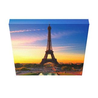エッフェル塔、パリ、フランス キャンバスプリント