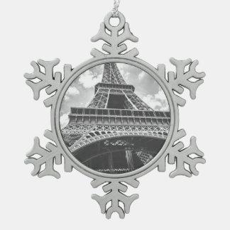 エッフェル塔、パリ、白黒のフランス スノーフレークピューターオーナメント