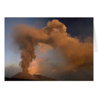 エトナ火山の頂上の出口、シシリー、イタリア カード