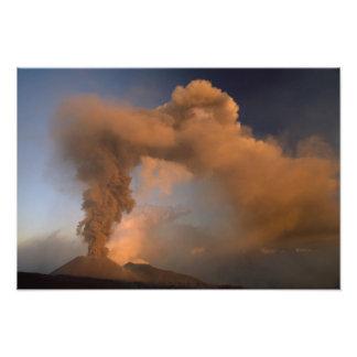 エトナ火山の頂上の出口、シシリー、イタリア フォトプリント