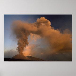 エトナ火山の頂上の出口、シシリー、イタリア ポスター