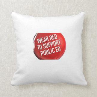 エドのための衣服の赤。 枕