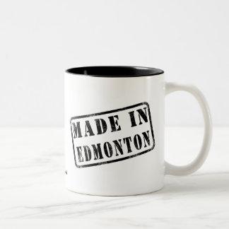 エドモントンで作られる ツートーンマグカップ