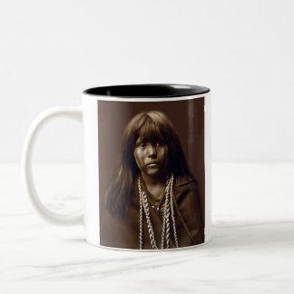 エドワードS.カーティス著モハービ語女の子によって名前を挙げられるMosa ツートーンマグカップ