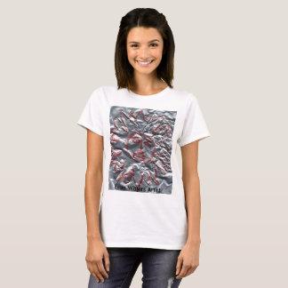 エバンは芸術家に水をまきます Tシャツ
